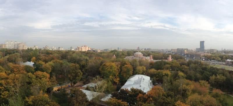 Панорама Петровского парка, снятая на iPhone 4S с помощью встроенного режима Panorama