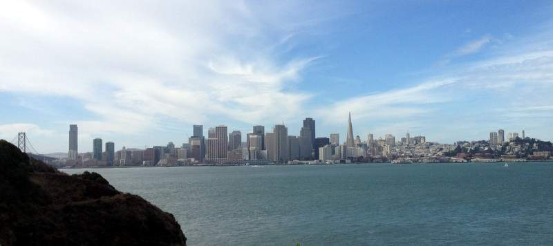 Вид на Сан-Франциско с острова Yerba Buena