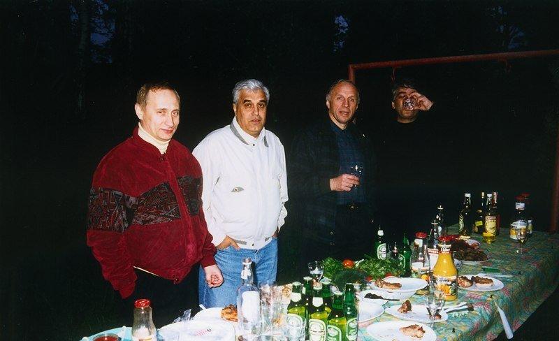 Путин и человек в белом