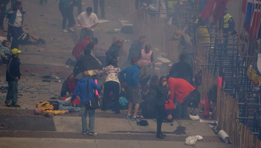 На месте взрыва в Бостоне. Фото: Аарон Tango Танг, оригинал по ссылке