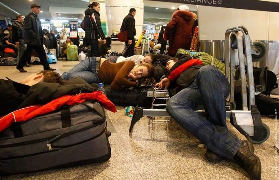 Россияне, застрявшие в аэропортах: кто будет платить за их эвакуацию