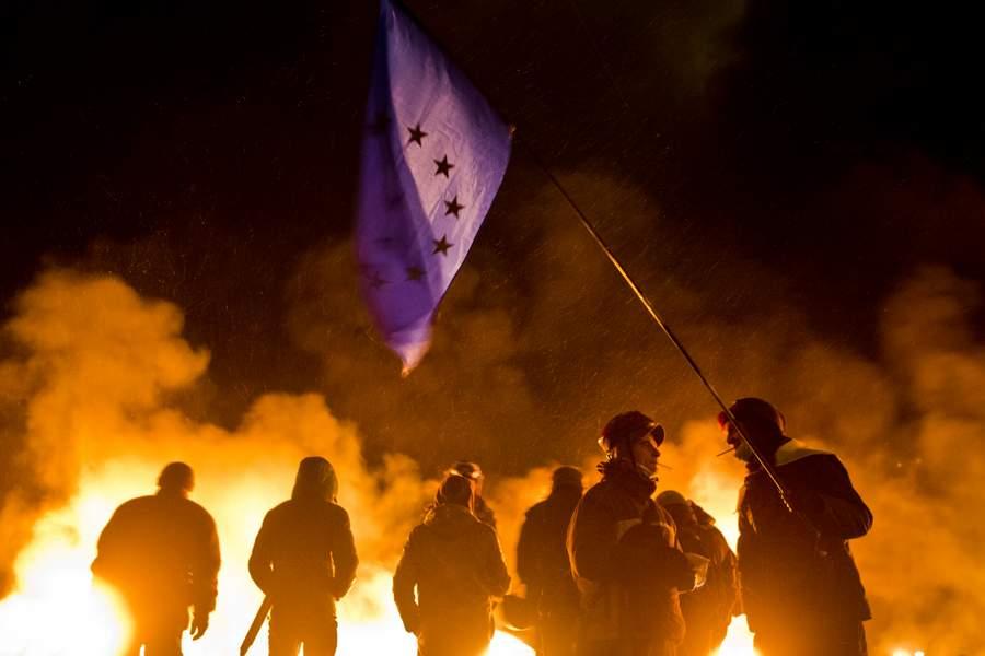 Столкновения на улице Грушевского. Фото Евгения Фельдмана