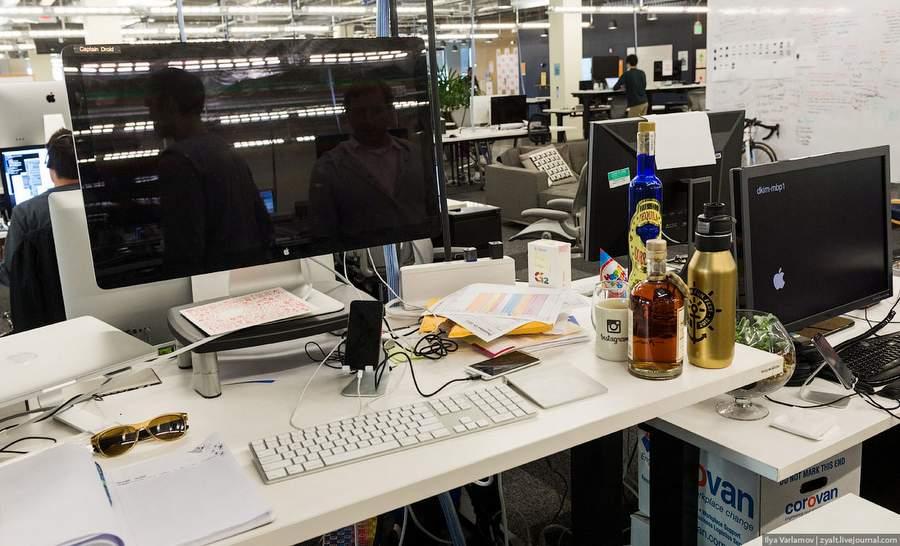 Рабочий день в офисе Инстаграма. Фото Ильи Варламова