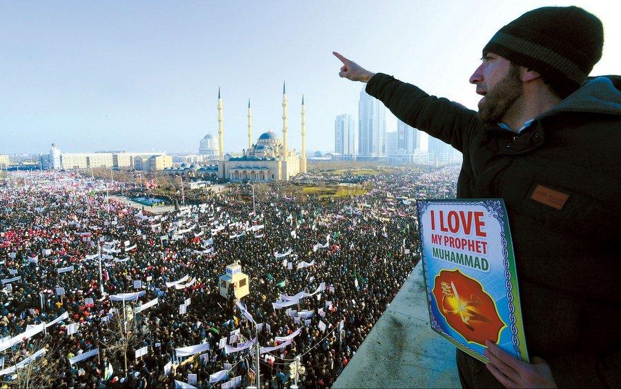 Митинг в Грозном в поддержку исламистского террора