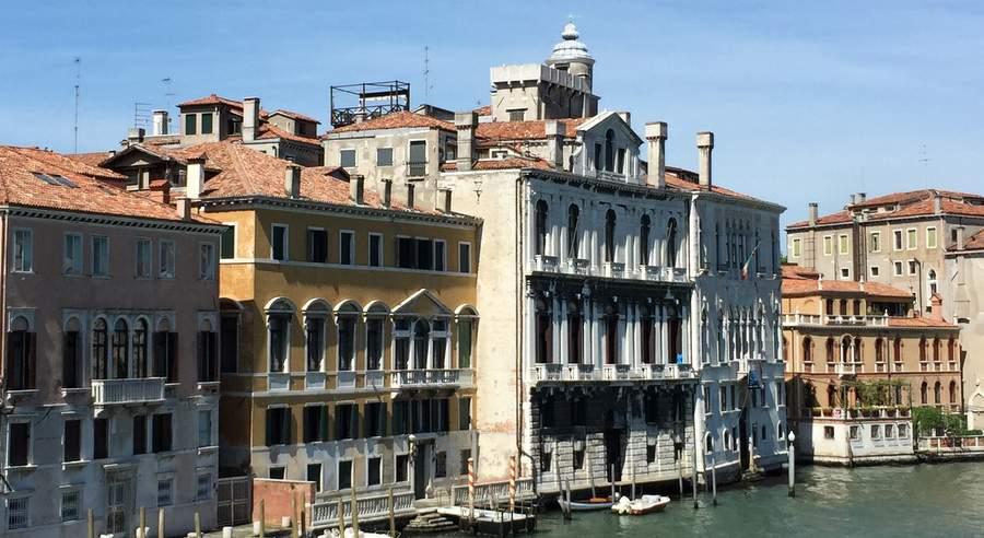 Палаццо Рокка Контарини Корфу, вид с Большого канала