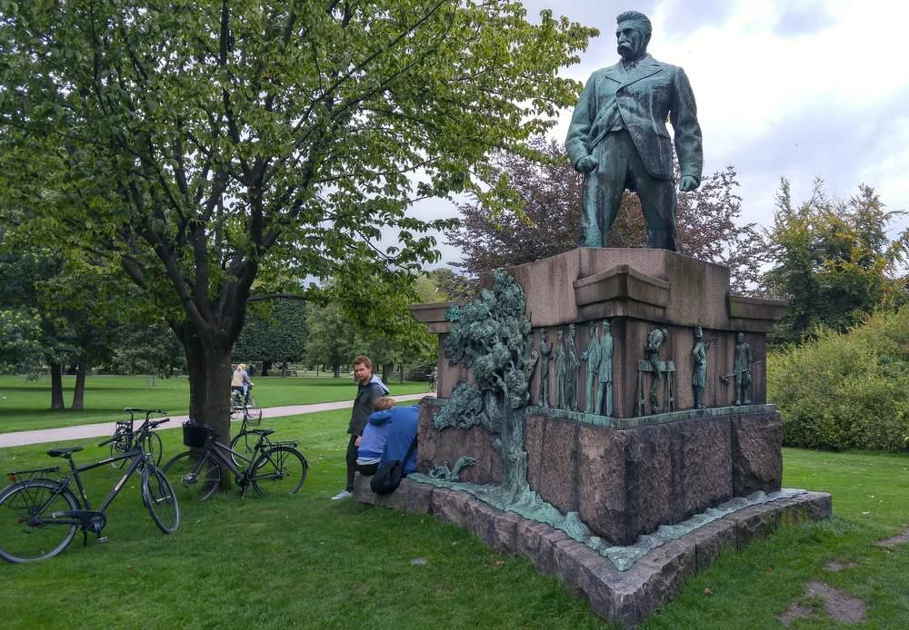 Памятник Сталину в Копенгагене