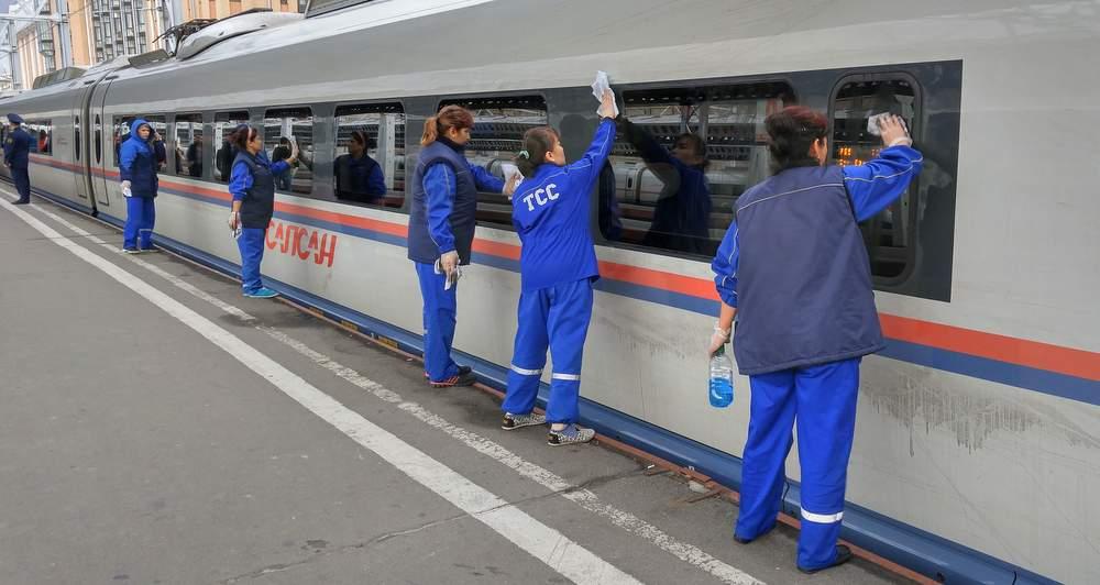Мытьё Сапсана перед отправкой в Москву