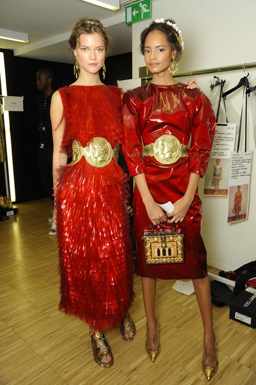dolce-and-gabbana-ss-2014-women-fashion-show-backstage-30
