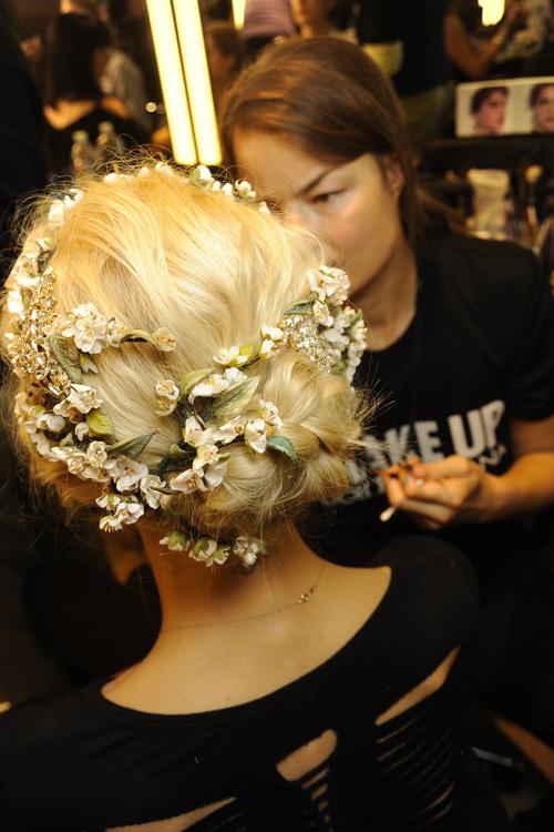свадебные прически с показа мод
