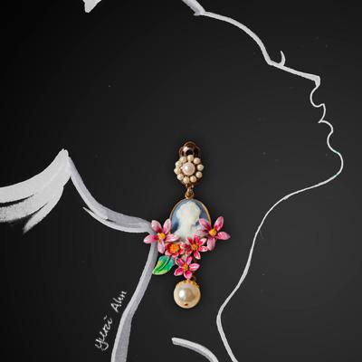 Dolce&Gabbana FW13, серьги с камеями