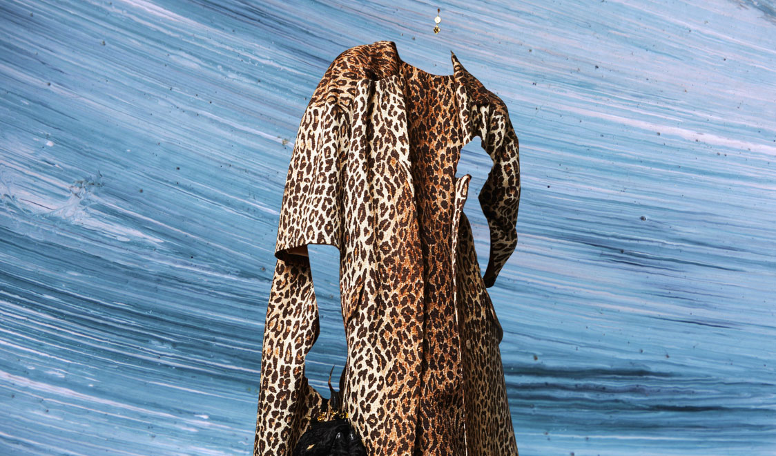 look-of-the-day-dolce-and-gabbana-FW-2014-womenswear-leopard-print-dress-and-coat-1124x660-cover