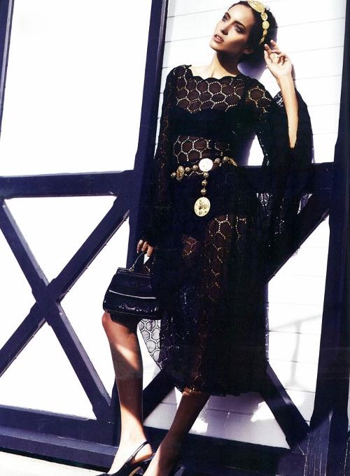 dolce-and-gabbana-dress-harpers-bazaar-turkey-march-2014 (500x681)