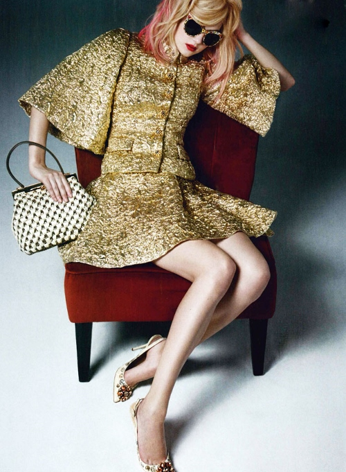 dolce-and-gabbana-dress-vogue-unique-march-2014 (500x681)