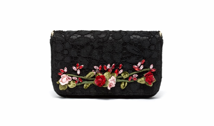 dolce-and-gabbana-accessories-spring-summer-2014-embroidered-black-lace-clutch (710x417)