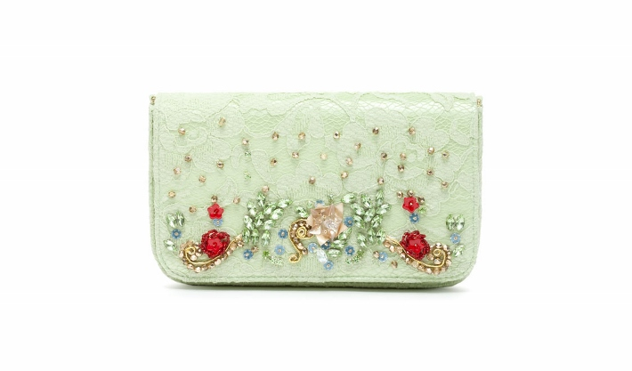 dolce-and-gabbana-accessories-spring-summer-2014-embroidered-green-lace-clutch (710x417)