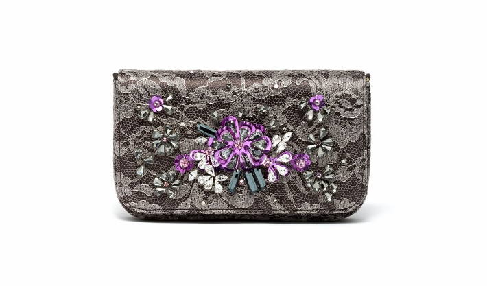 dolce-and-gabbana-accessories-spring-summer-2014-embroidered-grey-lace-clutch (710x417)