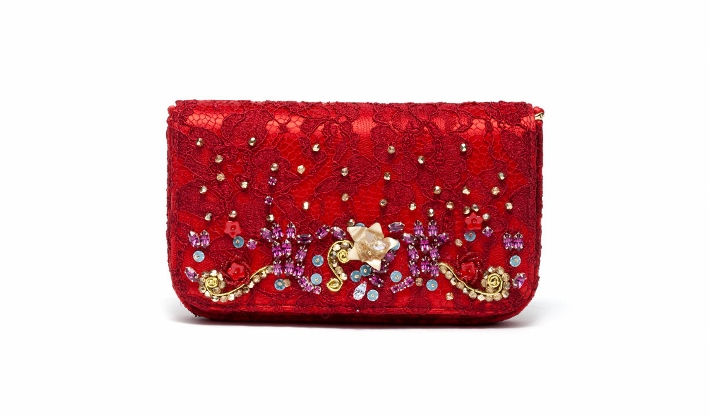 dolce-and-gabbana-accessories-spring-summer-2014-embroidered-red-lace-clutch (710x417)