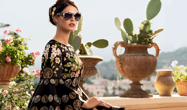 dolce-and-gabbana-eyewear-ss-2014-almond-blossom-campaign-with-bianca-balti-blossoms-print-black-sunglasses (710x417)