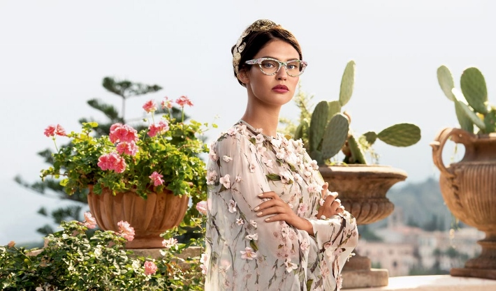 dolce-and-gabbana-eyewear-ss-2014-almond-blossom-campaign-with-bianca-balti-white-printed-blossoms (710x417)