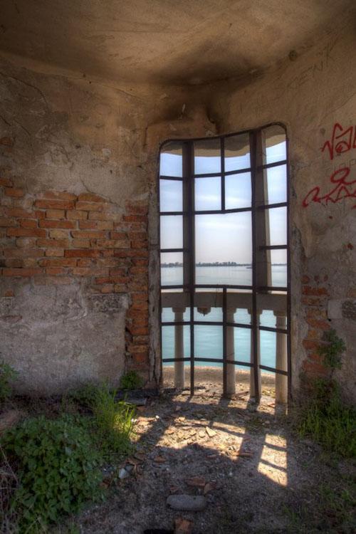 poveglija-vid-iz-smotrovogo-okna
