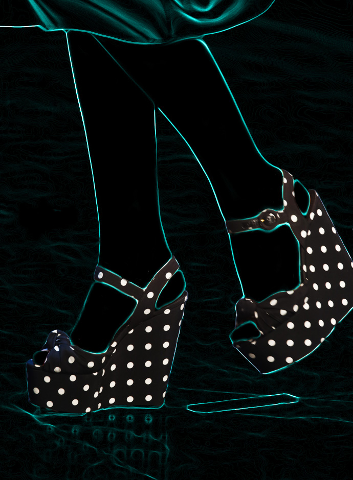 spring-summer-2014-accessory-trends-dolce-and-gabbana-polka-dot-print-fabric-wedge-heeled-sandals