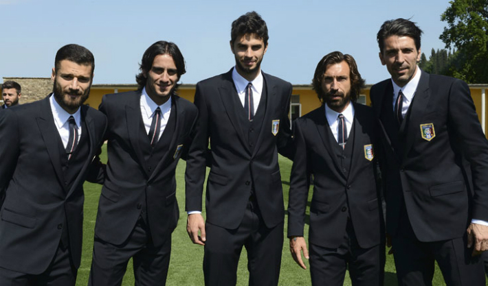 italy-national-football-team-photos-the-fitting-book-by-dolce-and-gabbana-CANDREVA-AQUILANI-RANOCCHIA-PIRLO-BUFFON