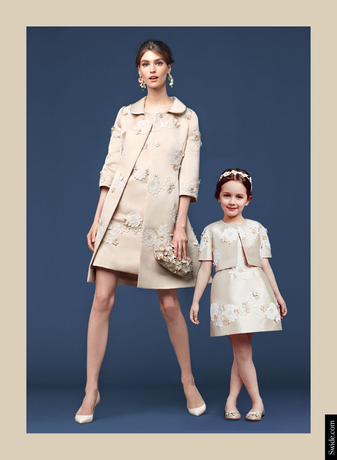 mother-and-daughter-matching-dresses-ideas-from-dolce-and-gabbana-fall-winter-2014-15-lace-embroidered-silk-dress-and-coat