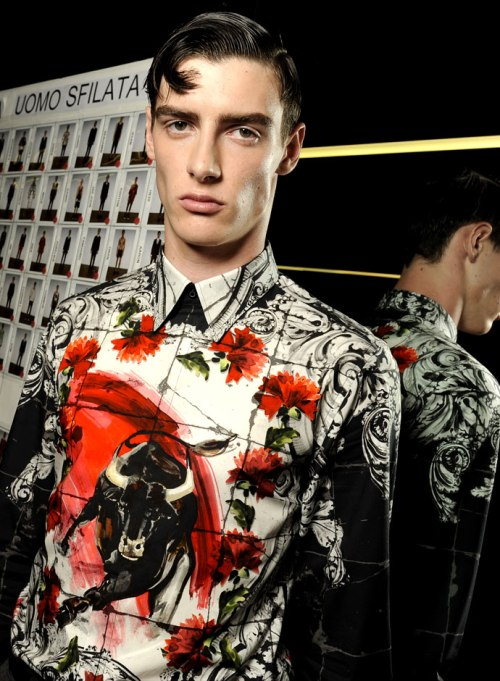 dolce-and-gabbana-spring-summer-2015-official-backstage-photos-26