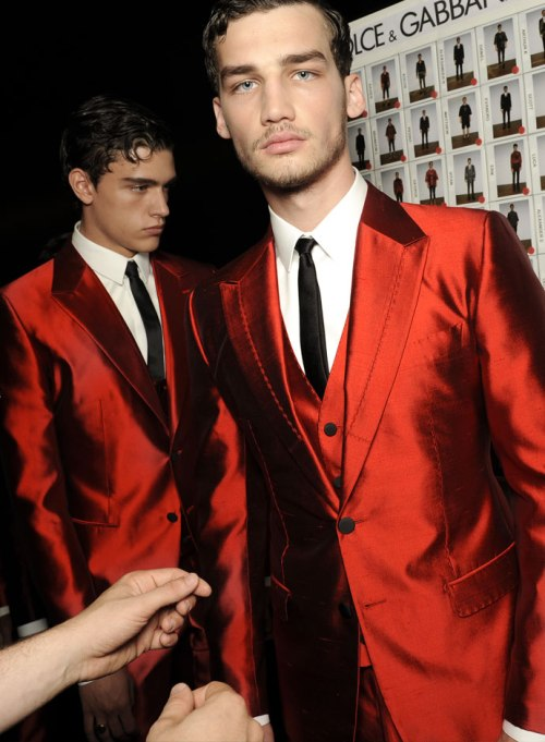 dolce-and-gabbana-spring-summer-2015-official-backstage-photos-28