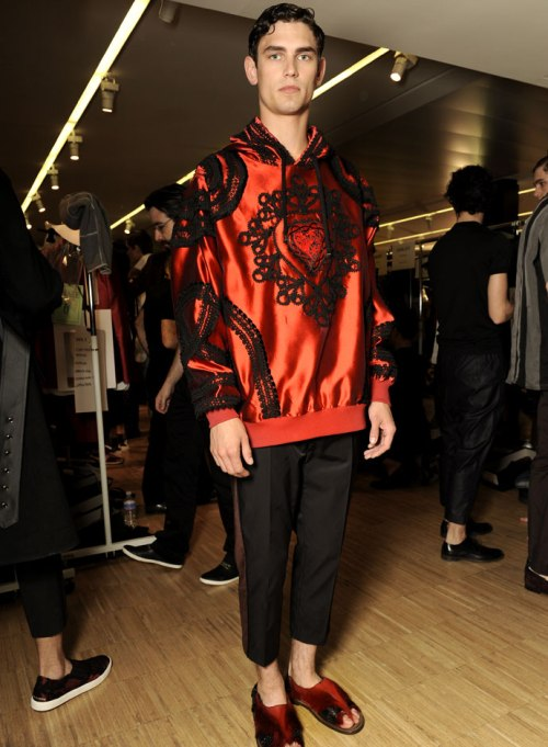 dolce-and-gabbana-spring-summer-2015-official-backstage-photos-29