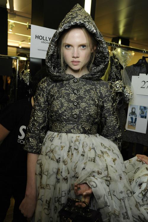 dolce-and-gabbana-fw-2014-2015-women-fashion-show-backstage-05