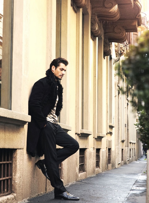 david-gandy-in-dolce-and-gabbana-dress-esquire-colombia-march-2014 (500x681)