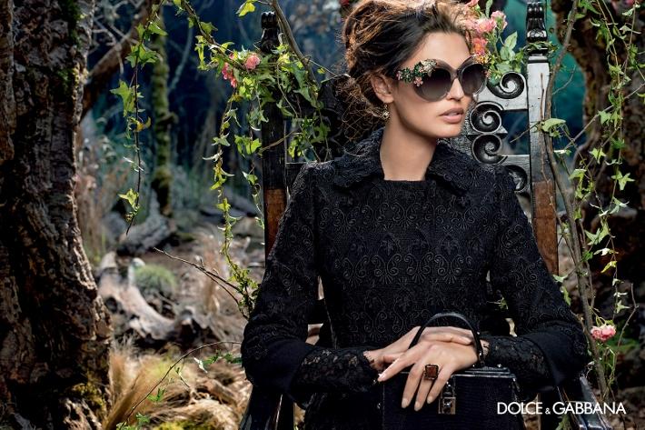 dolce-gabbana-adv-sunglasses-campaign-winter-2015-women-05 (710x473)