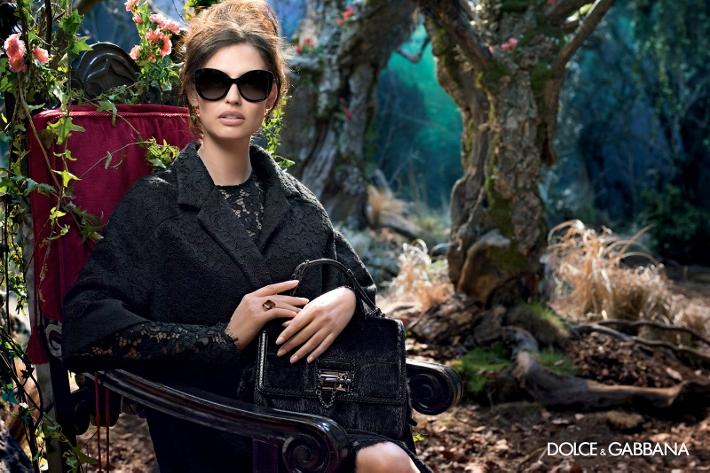 dolce-gabbana-adv-sunglasses-campaign-winter-2015-women-07 (710x473)