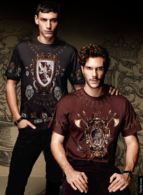 dolce-and-gabbana-fall-winter-2014-2015-man-medieval-prints-t-shirts