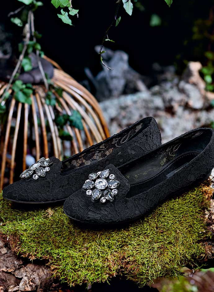 fall-winter-2014-2015-accessory-trends-dolce-and-gabbana-black-lace-slippers-with-crystal-embellishments