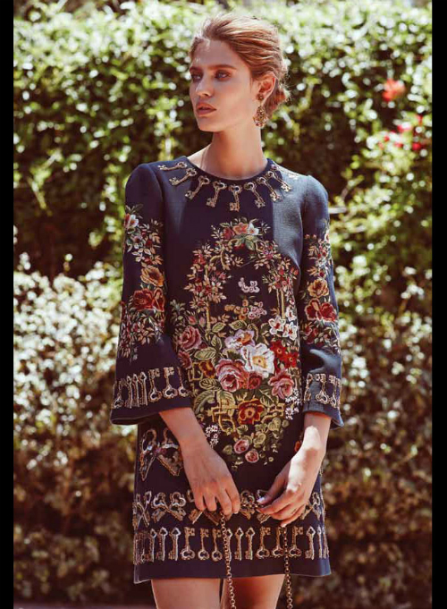bianca-balti-in-dolce-gabbana-fw-2014-2015-in-emirates-woman-september-2014-issue-02