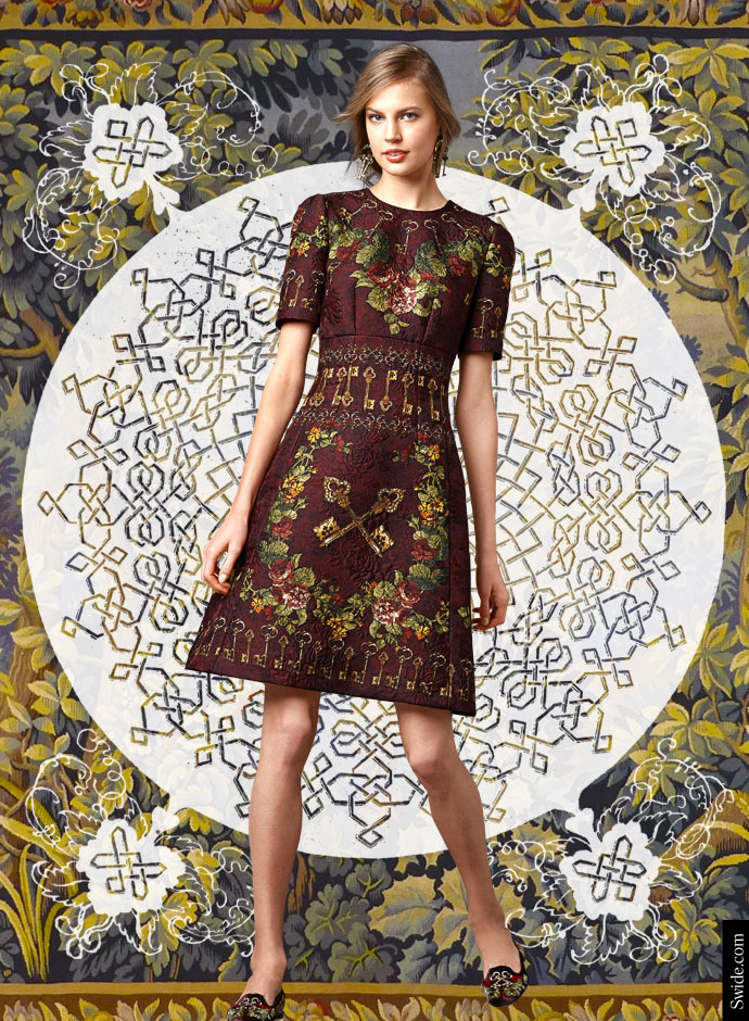 look-of-the-day-dolce-and-gabbana-fall-winter-2014-2015-womenswear-collection-flower-and-keys-print-silk-brocade-dome-dress-new_0