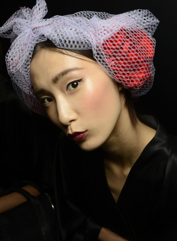 dolce-and-gabbana-spring-summer-2015-womens-fashion-show-backstage-pictures-mona-matsuoka-d-management-24
