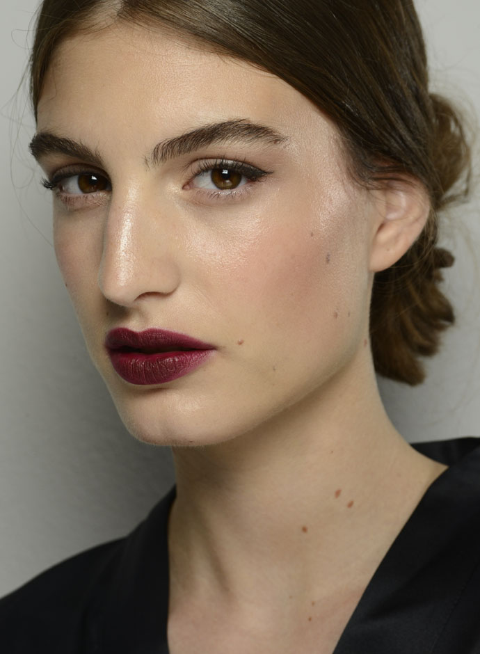 dolce-and-gabbana-spring-summer-2015-womens-fashion-show-backstage-pictures-20