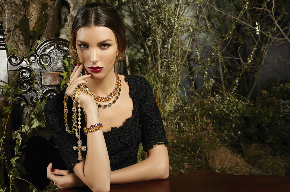 dolce-and-gabbana-jewellery-fw-2014-15-advertising-campaign-with-kate-king-01