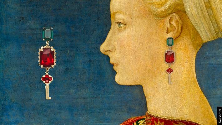 dolce-and-gabbana-fall-winter-2014-2015-womenswear-collection-key-themed-jewellery-04 (710x401)