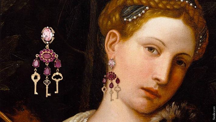 dolce-and-gabbana-fall-winter-2014-2015-womenswear-collection-key-themed-jewellery-02 (710x401)