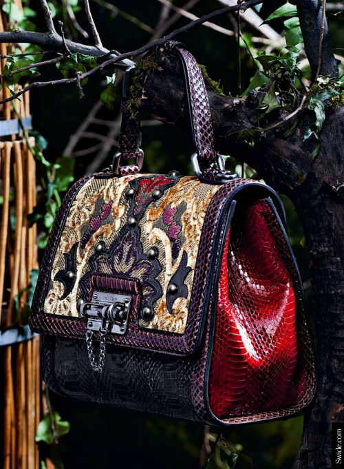 fall-winter-2014-2015-accessory-trends-by-dolce-and-gabbana-brocade-mix-and-match-monica-tote-bag (1)