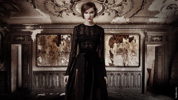 dolce-and-gabbana-fall-winter-2014-2015-halloween-special-for-women-lace-gown (710x401)