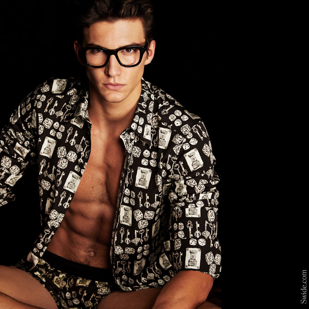 nicolo-rizzi-in-dolce-and-gabbana-fall-winter-2014-2015-get-your-classic-look-underwear