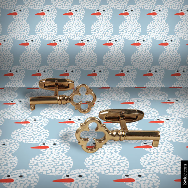 top-10-christmas-gift-ideas-2014-for-men-best-presents-for-classic-boyfriend-dolce-and-gabbana-key-cufflinks