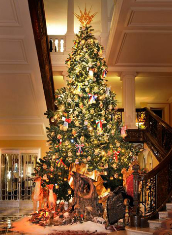 claridges-christmas-tree-2014-by-dolce-and-gabbana-photos-event-celebrities1
