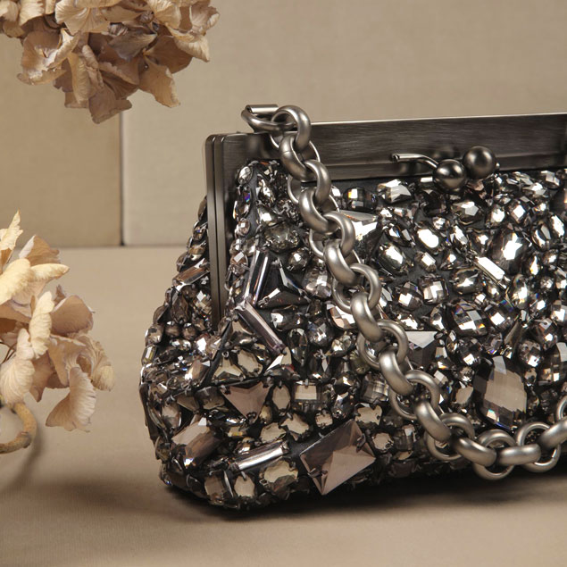 sparkling-holiday-party-looks-2014-crystal-bag-from-dolce-and-gabbana-fw