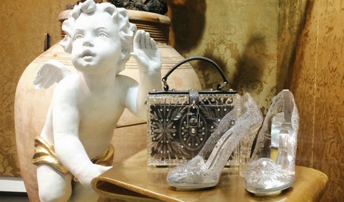 have-your-cinderella-moment-with-these-dolcegabbana-transparent-shoes